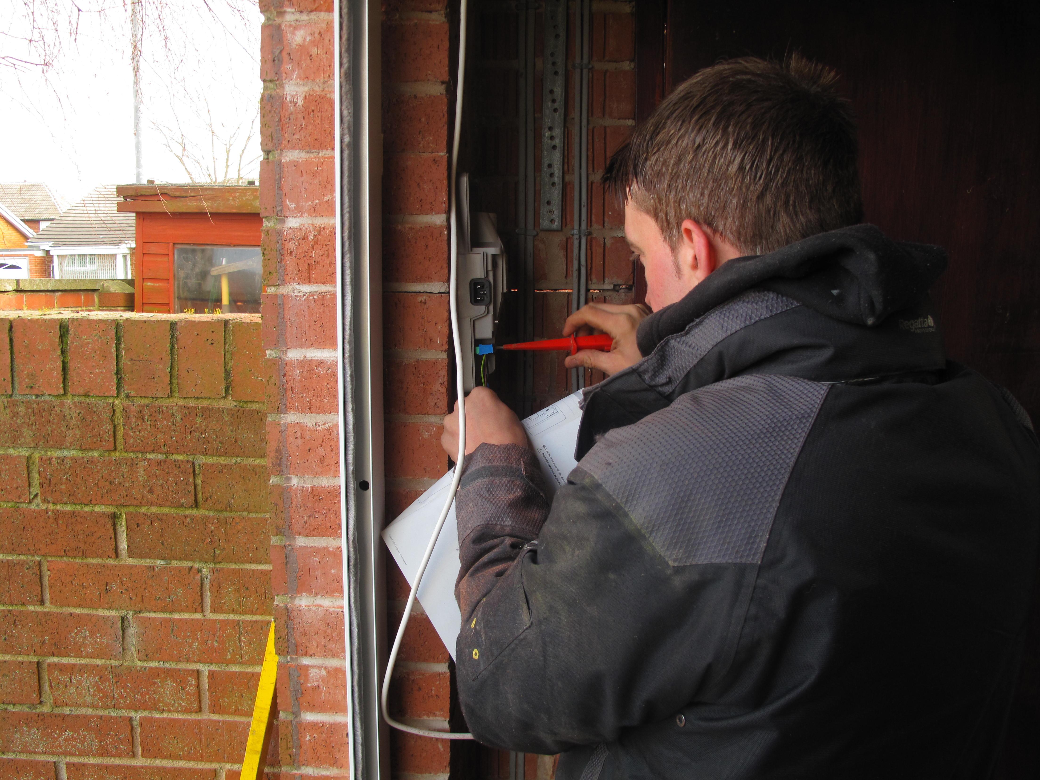 We\u0027re Hiring - Apprentice Garage Door Fitters & We\u0027re Hiring - Apprentice Garage Door Fitters | The garage door team Pezcame.Com