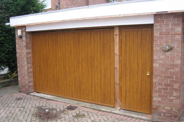 Garage doors wilmslow the garage door team for 16 x 11 garage door