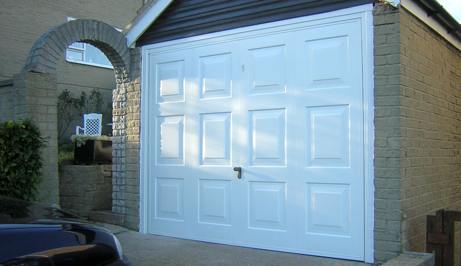Garage Doors Leeds & Garage Doors Leeds | The Garage Door Team